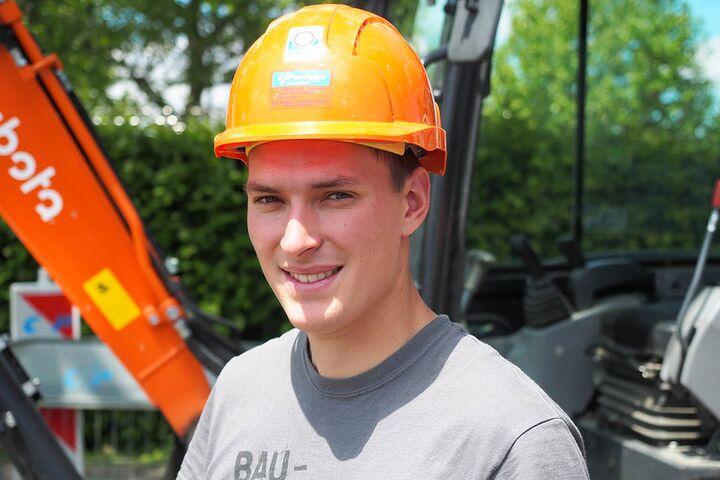 Straßenbauer René Weis eröffnen sich nach seiner Ausbildung am Bau ausgezeichnete Karrierechancen.