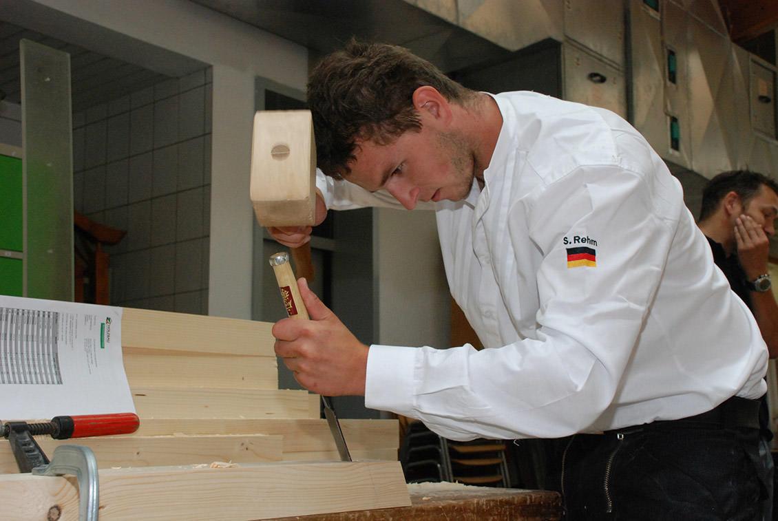 Zimmerer-Rehm-Holzbearbeitung.jpg